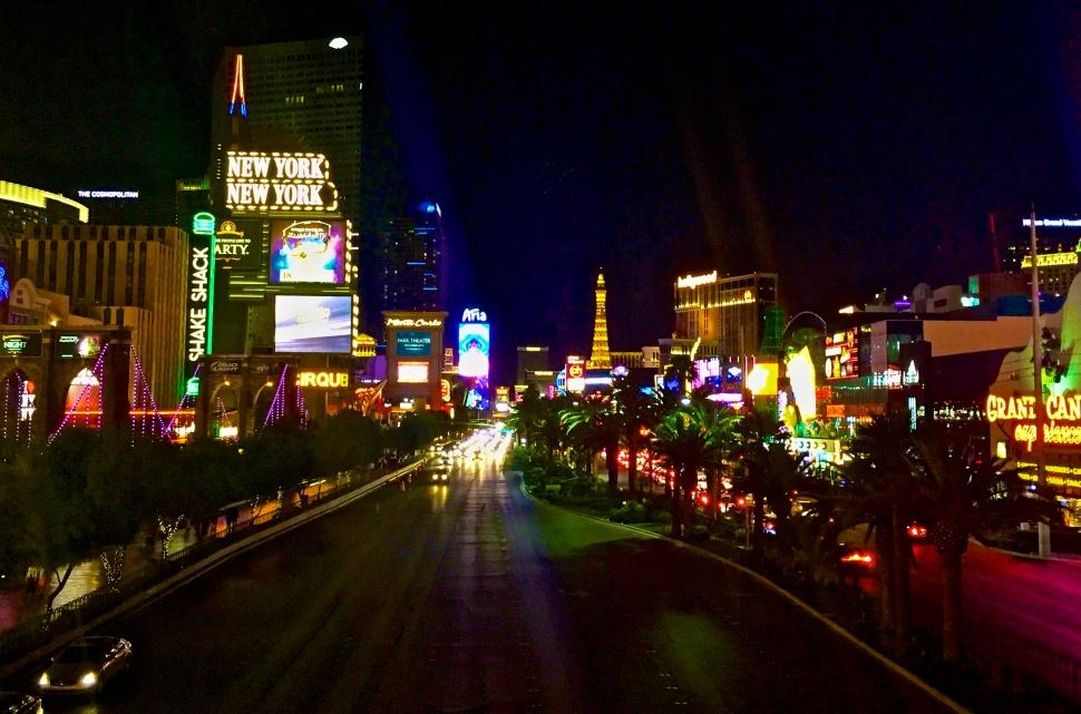 Las-Vegas-Strip-At-Night